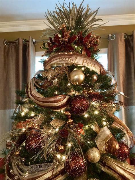 stylish winter wonderland trees decoration ideas