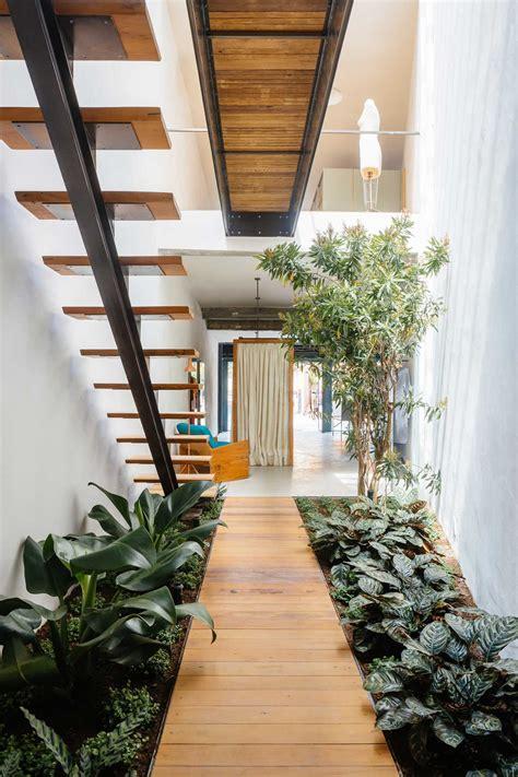 Indoor Garden by Retail Store With An Indoor Garden In S 227 O Paulo By Vao