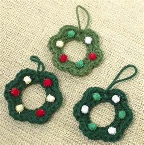 12 diy crochet christmas ornaments and decorations shelterness
