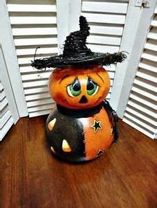 Bemalte Kürbisse Vorlage : pin von house of heart auf halloween pinterest k rbis herbst und gemalte k rbisse ~ Markanthonyermac.com Haus und Dekorationen
