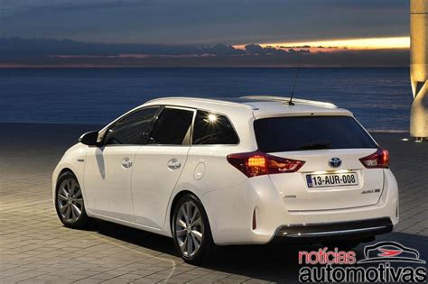 toyota auris touring sports car  catalog