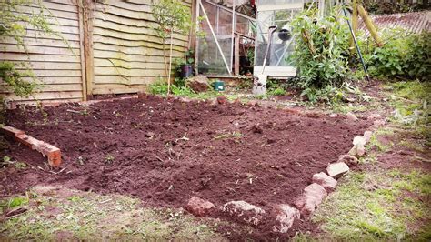 cost effective landscaping ideas upcycled garden ideas lawnmowers direct