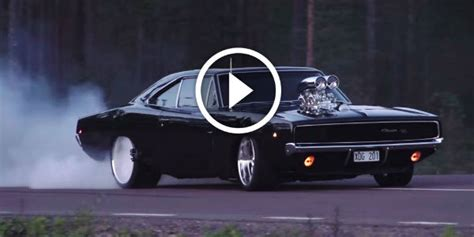 Brutal 1968 Dodge Charger R/t Doing Heavy Burnout In