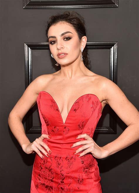 Charli Xcx Red Carpet Grammy Awards Los Angeles