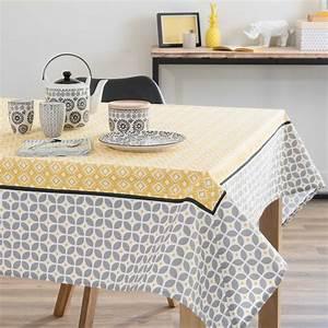 Nappe Rectangulaire Grise : nappe en coton grise jaune 150 x 250 cm sunny maisons du ~ Teatrodelosmanantiales.com Idées de Décoration