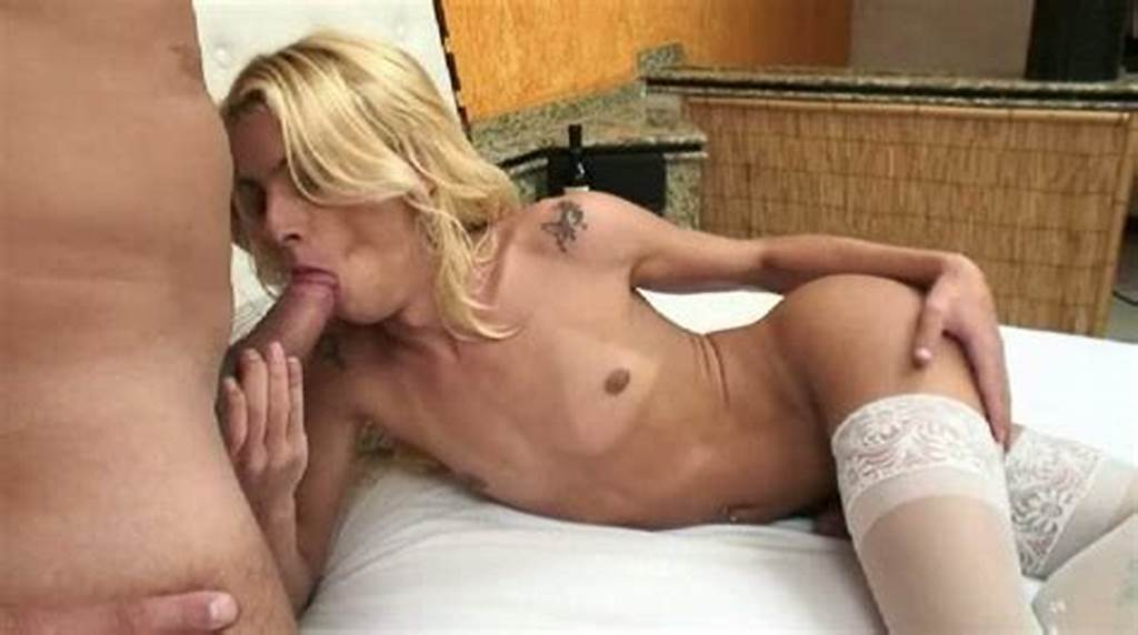 #Kinky #Shemale #Blonde #Dany #De #Castro #Gets #Her #Her #Anal #Hole