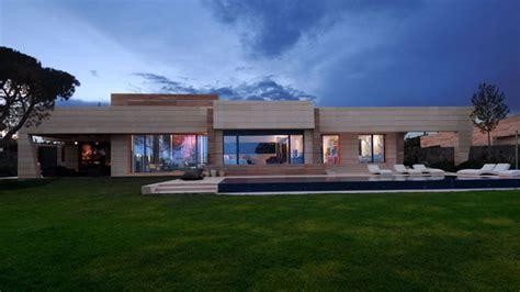 architect joaquin torres  insane houses built