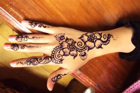 contoh gambar henna art simak gambar berikut