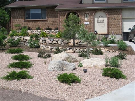low maintenance landscape ideas pin by karen tippetts on garden outside projects pinterest