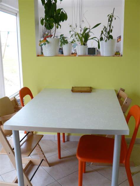 table de travail cuisine table photo 2 14 plan de travail pieds et chaises
