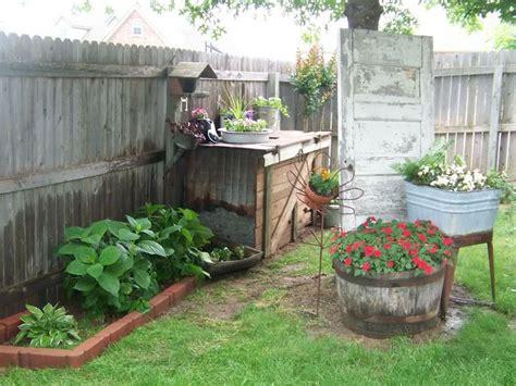 Trash Treasure Crafts Garden One Day
