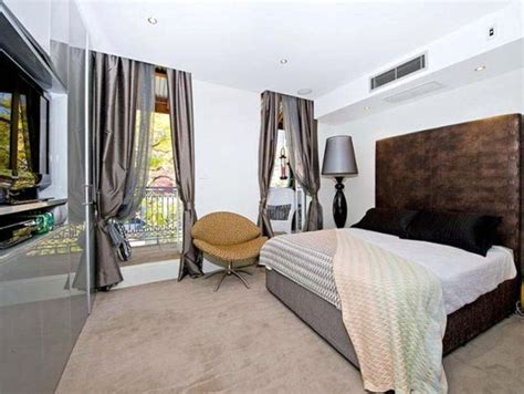 Bedroom Decorating Ideas For Bachelor by Sporty Bachelor Bedroom Decorating Ideas