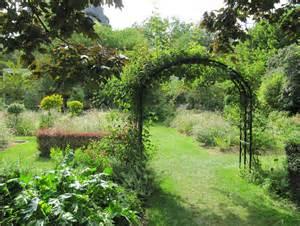 Creative Tops Les Plaisirs Du Jardin by File Le Jardin Aux Iris Du Jardin Des Plantes Jpg