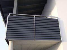 Balkongeländer Pulverbeschichtet Anthrazit : anbaubalkon mit einer berdachung und einem balkongel nder ~ Michelbontemps.com Haus und Dekorationen