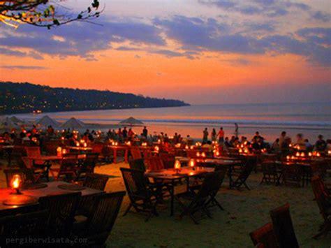 pantai jimbaran suasana romantis dikala sunset