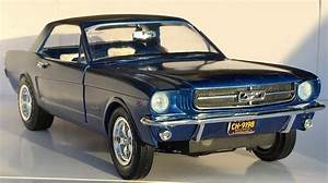 1965 Ford Mustang -- Plastic Model Car Kit -- 1/16 Scale -- #872_06 pictures by Shooter ...