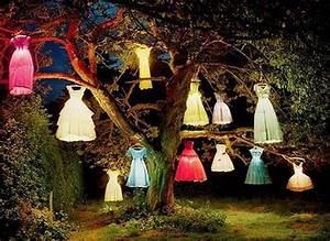 Beleuchtung Für Gartenparty : coole gartendeko mit kleider lampen f r coole gartenparty freshouse ~ Markanthonyermac.com Haus und Dekorationen