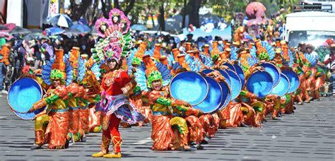 iamshaynneloves: FESTIVAL: Sinulog 2016 Grand Parade