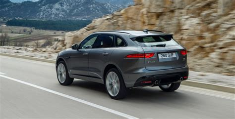jaguar  pace   tech features  torque report