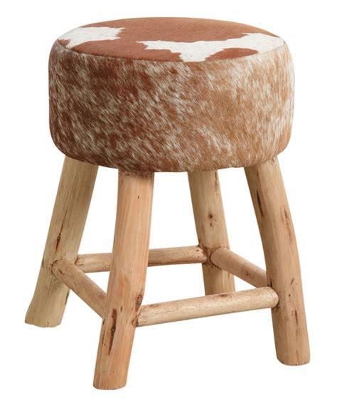 tabouret en bois et peau de vache