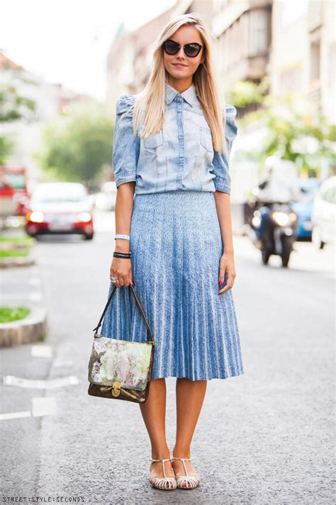 How To Wear Pleated Skirts In Summer 2018   FashionGum.com