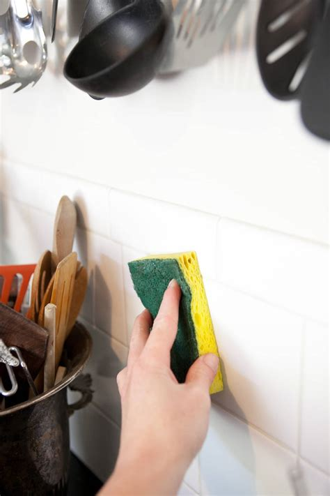 clean greasy kitchen walls backsplashes