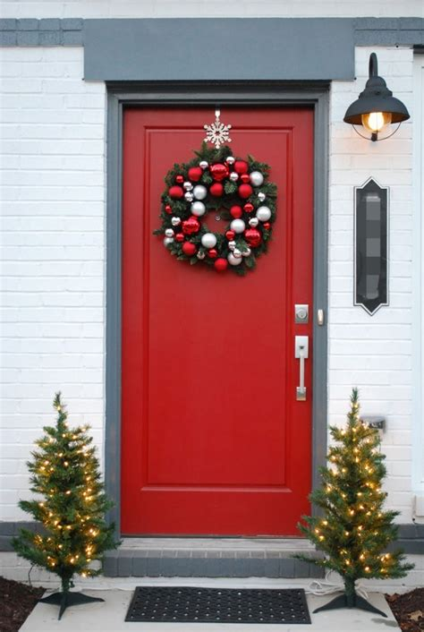 appealing christmas main door decoration ideas