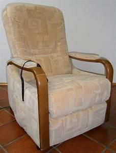 Sessel Elektrisch Mit Aufstehhilfe : elektrisch verstellbarer sessel mit aufstehhilfe und fu st tze in pforzheim medizinische ~ Bigdaddyawards.com Haus und Dekorationen