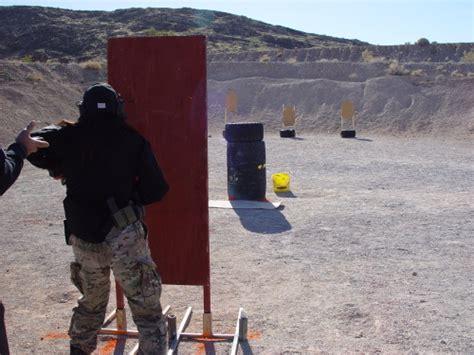 実弾射撃 アメリカでピストル射撃大会に出場してます 実弾射撃 総合格闘技指導 striking
