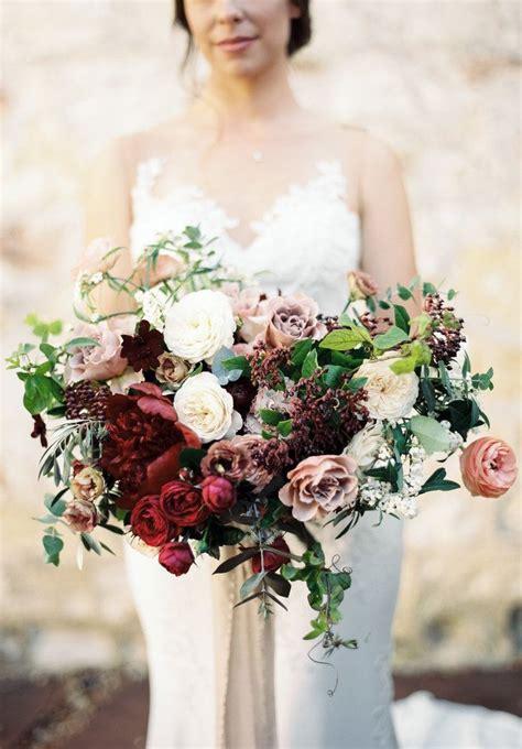 stunning fall wedding flower bouquets  autumn brides