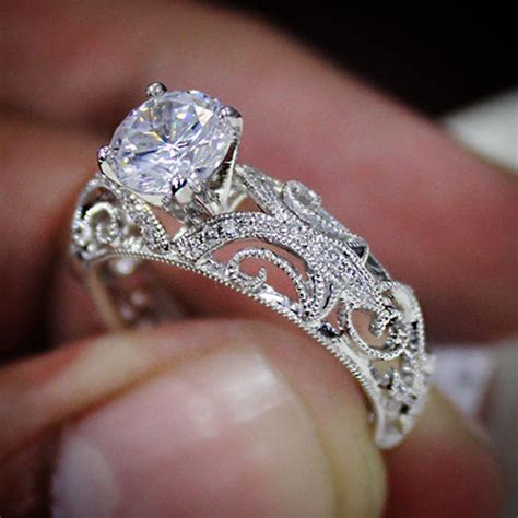 design your dream engagement ring with diamond mansion