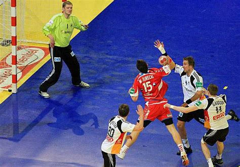 team handball  insanely popular sports   rarely