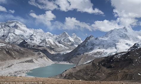 rivers of stunning images of the himalayas show how much glaciers shrunk 80 years