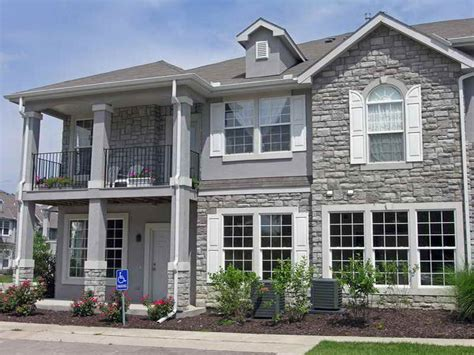 brick combinations homes brick or stucco
