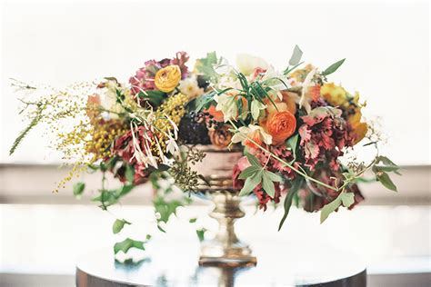 38 Flower Ideas For Your Thanksgiving Centerpiece