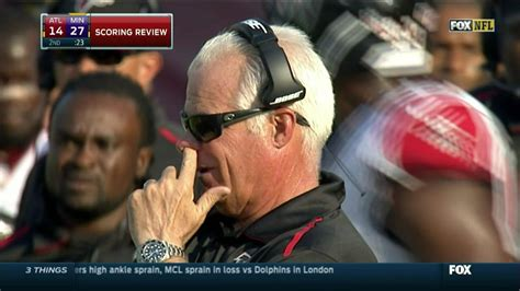mike smith  picking  nose  falcons