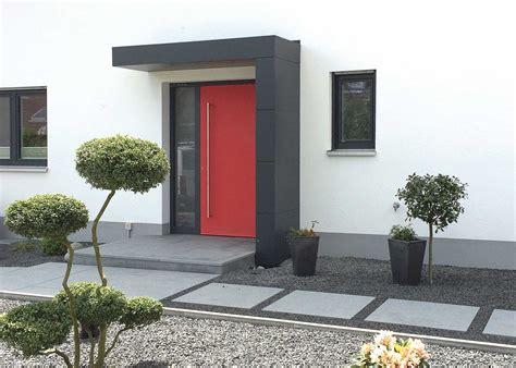 haus mit vordach vordach siebau design eingangs 252 berdachung f 252 r haust 252 ren