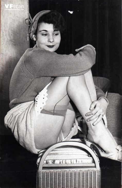 vintage pantyhose catalog models