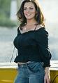 Sara Evans Bra Size Measurements - Celebrity Bra Size ...