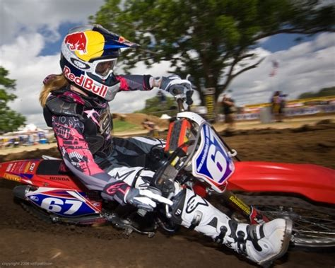 pro motocross riders names ashley fiolek to be honored at 2010 courage in sports