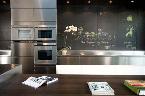tableau decoration cuisine le tableau noir une idée de déco cuisine créative et conviviale design feria