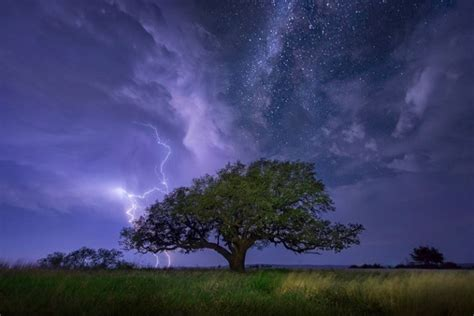 5 Incredible Storm Photographers And Their Best Images
