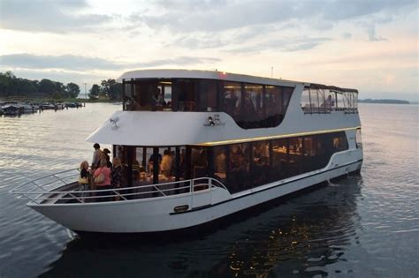 Minneapolis Boat Cruise by Paradise Charter Cruises And Minneapolis Queen