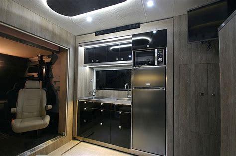 hotte cuisine centrale camions chevaux home car aménagement espace cing pour