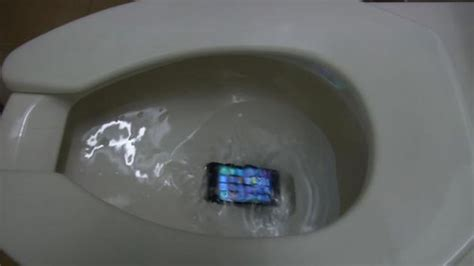 phone fell in toilet the most obnoxious times to try to hold a phone