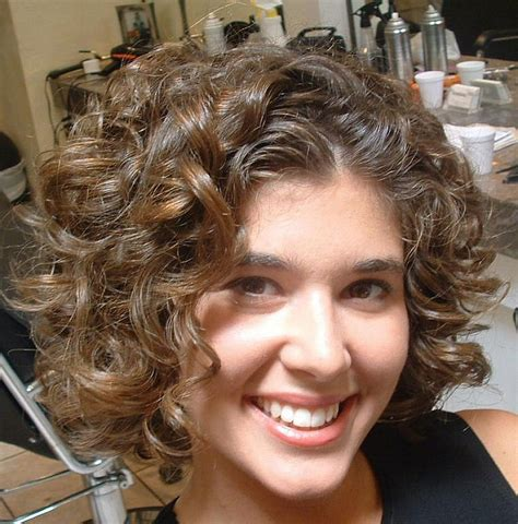 Best hairstyle for curly hair of round face Cute best