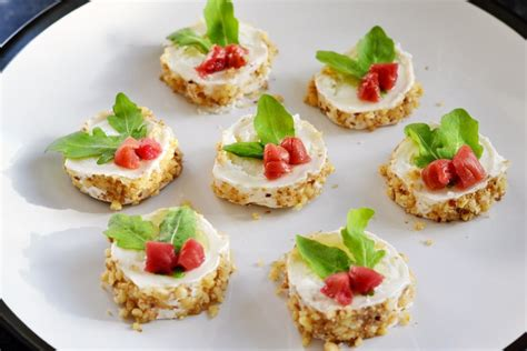 goats cheese canape recipes goat 39 s cheese canapé recipe great chefs