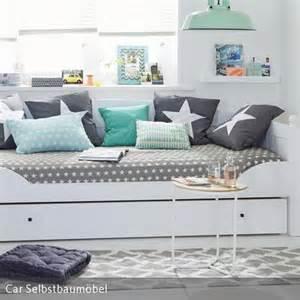 jugendzimmer blau die besten 17 ideen zu blaue schlafzimmer auf hellblaue schlafzimmer dunkle möbel
