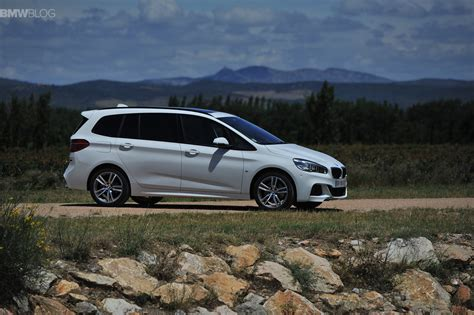 bmw 218 gran tourer bmw 2 series gran tourer launches in