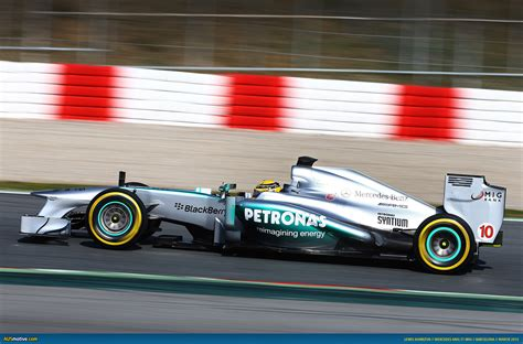 Available for hd, 4k, 5k desktops and mobile phones. Mercedes F1 W04 2013